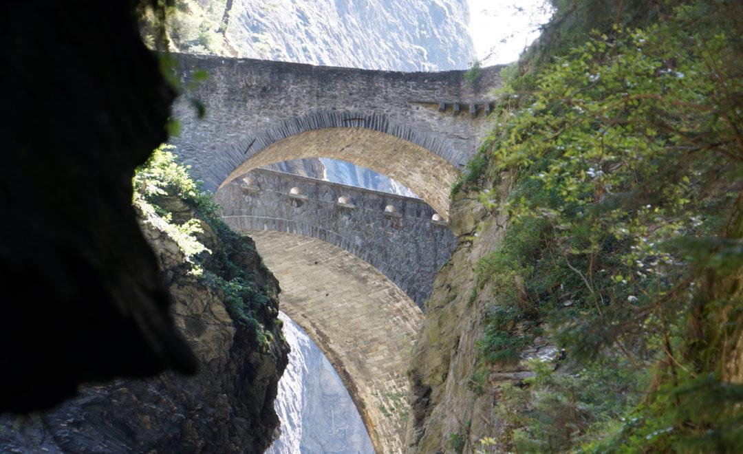 Historische Brücken über der Viamala