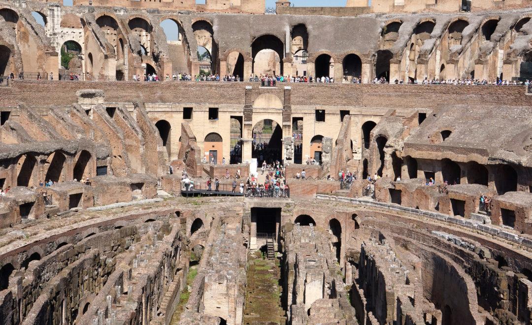 Im Colloseum in Rom