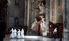 Scene im Petersdom zu Rom